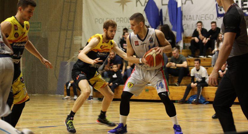 Koszykówka, Porażka Księżaka inaugurację sezonu (ZDJĘCIA) - zdjęcie, fotografia