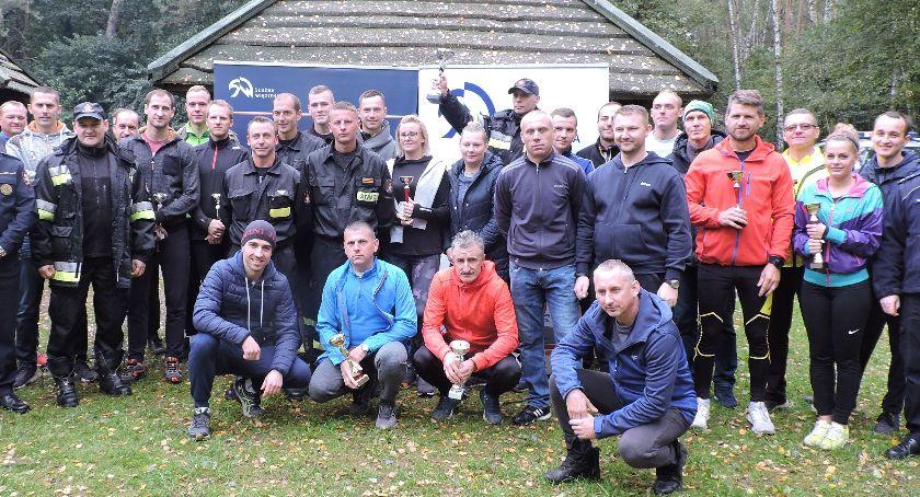 Inne, Mundurowi biegacze Łowicza - zdjęcie, fotografia