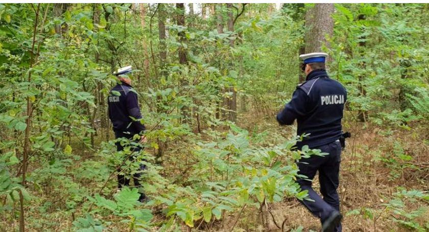Komunikaty policji , policji grzybiarzu zabierz sobą telefon - zdjęcie, fotografia