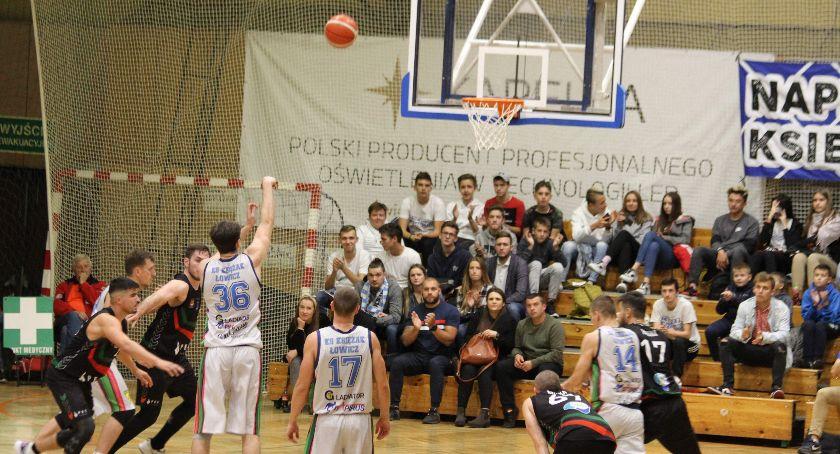 Koszykówka, Zadecydowały ostatnie minuty Księżak wygrywa Tychami - zdjęcie, fotografia