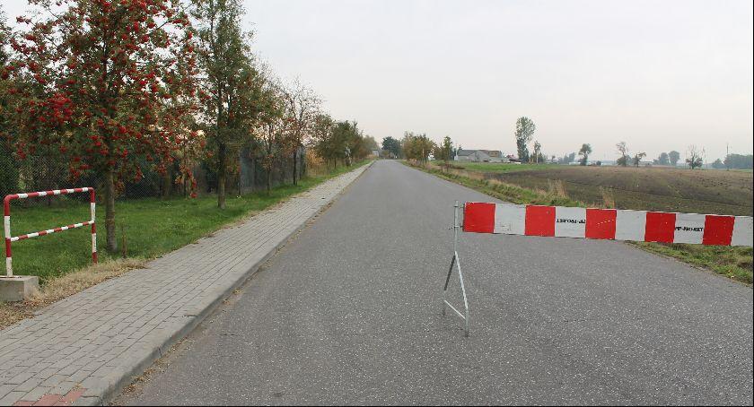 Inwestycje, Utrudnienia drogach powiatowych Trwają remonty ramach Funduszu Dróg Samorządowych - zdjęcie, fotografia