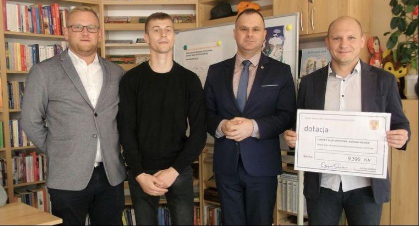 Stowarzyszenia, kluby sportowe powiatu łowickiego otrzymały dotacji - zdjęcie, fotografia