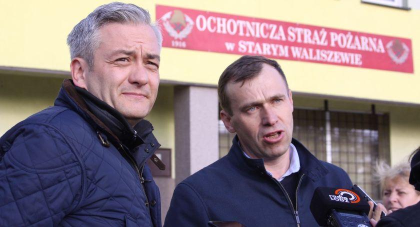 Wybory do parlamentu 2019, Robert Biedroń Starym Waliszewie zapowiedział dodatek emerytury druhów (ZDJĘCIA VIDEO) - zdjęcie, fotografia