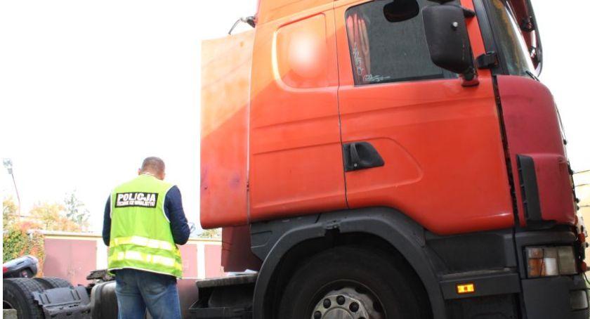Kronika policyjna, Łowicka policja rozbiła grupę przestępczą zajmującą kradzieżą tirów - zdjęcie, fotografia