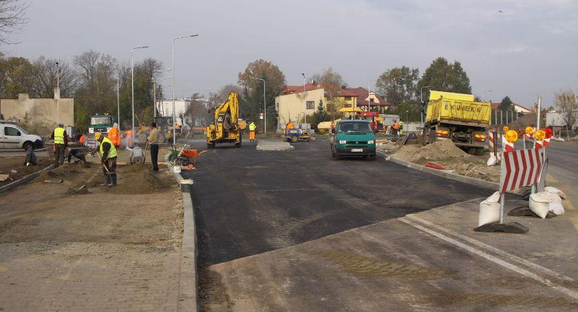 Inwestycje, Łowicz listopadzie otwarcie ronda Bolimowskiej zamknięcie Arkadyjskiej - zdjęcie, fotografia