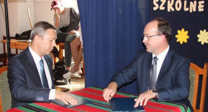Edukacja, podpisał porozumienie patronackie firmą Agros - zdjęcie, fotografia