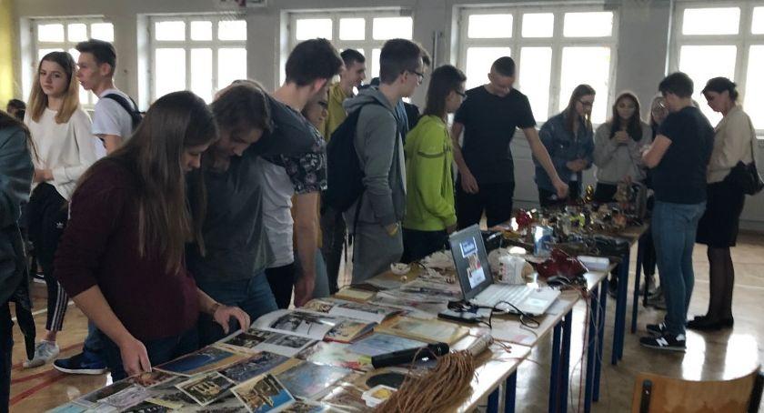 Edukacja, spotkanie podróżnikiem Hubertem Budkowskim - zdjęcie, fotografia