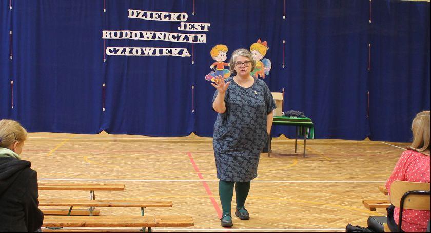 Edukacja, Super Niania odwiedziła Szkołę Podstawową Kocierzewie Południowym - zdjęcie, fotografia