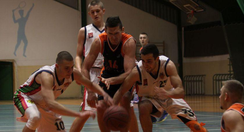 Koszykówka, Minimalna porażka trzecioligowego Księżaka Zadecydowała ostatnia akcja (ZDJĘCIA VIDEO) - zdjęcie, fotografia