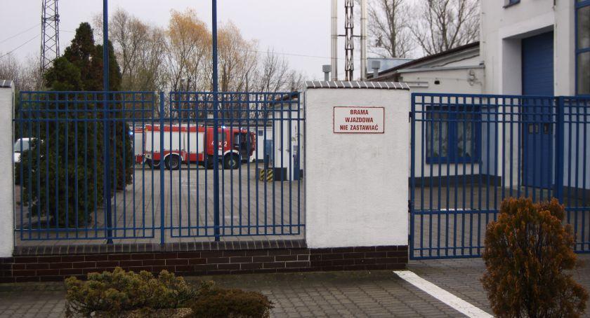 Straż Pożarna, Łowicz mężczyzna zasłabł pracy reanimacji udało uratować - zdjęcie, fotografia
