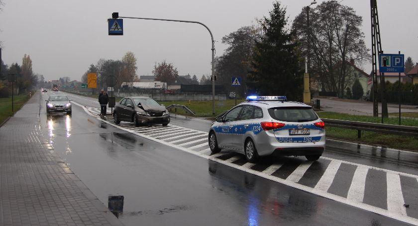Wypadki i kolizje, Kolizja drogowa Podgrodzie Łowiczu - zdjęcie, fotografia