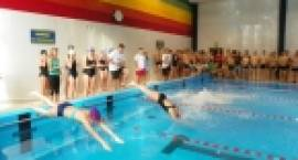 Powiatowa gimnazjada i licealiada w sztafecie pływackiej