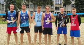 Siatkarze z Głowna zdominowali łowicki turniej siatkówki plażowej