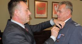 Krzyż Zasługi dla dyrektora Zakładu Karnego w Łowiczu