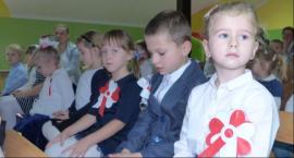 Przedszkolaki śpiewały piosenki żołnierskie