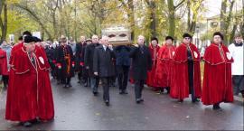 Łowiczanie podążali za relikwiami św. Wiktorii