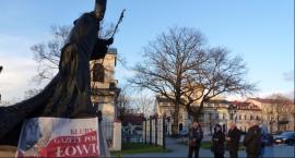 Krucjata różańcowa pod pomnikiem Jana Pawła II
