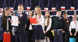 Radosne świętowanie Niepodległej w SP 4 i SP 2 w Łowiczu