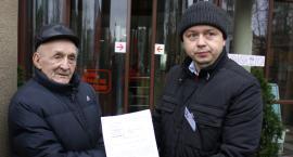 Pikieta przed sądem w Łowiczu w obronie skazanego 86-latka