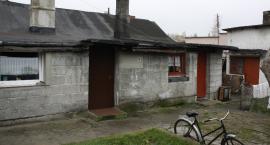 Staruszek z Bełchowa od lat prześladuje najbliższych - tak twierdzą jego córka i wnuczka