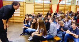 Międzynarodowy teatr w SP 2 w Łowiczu