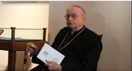 Biskup Alojzy Orszulik odznaczony krzyżem św. Wiktorii