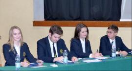 Młodzież pijarska dyskutowała nad słusznością wprowadzenie stanu wojennego w Polsce