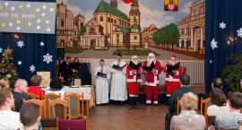 Bóg się rodzi, przekażmy sobie znak pokoju - Wigilia w ZSP nr 1 w Łowiczu