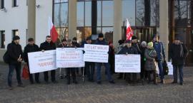 Kolejna pikieta pod Sądem Rejonowym w Łowiczu