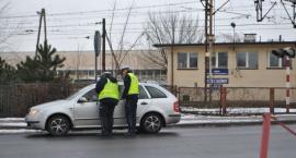 Policyjna akcja na przejeździe kolejowym w Łowiczu