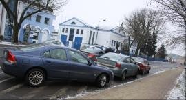 Potrącenie w Alejkach Sienkiewicza, kolizja trzech aut na Mostowej