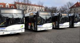 Nowe Solarisy przyjechały na Stary Rynek w Łowiczu