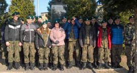 Uczniowie klasy mundurowej z ZSP nr 1 poznawali siedzibę I Batalionu Kawalerii Powietrznej w Leźnicy