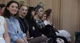 """Uczennice """"Hotelarskiej"""" wyróżnione w konkursie fryzjerskim"""