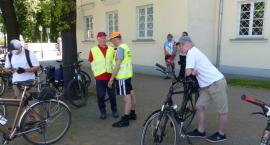 Piękne słońce towarzyszy cyklistom w drodze do Nieborowa