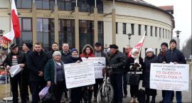 Pikieta pod Sądem Rejonowym w Łowiczu