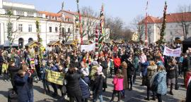 Konkurs palm w Łowiczu. SP Popów z nagrodą biskupa