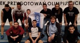 Worek medali lekkoatletów z powiatu łowickiego. Historyczny występ uczniów II LO