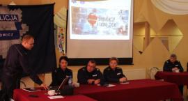 Debata o bezpieczeństwie w Łyszkowicach. Rozmawiano m.in. o cyberprzemocy