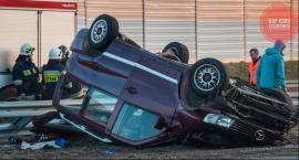 Mercedes dachował na A2