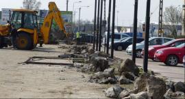 Rozpoczęła się budowa zatok parkingowych na Blichu i modernizacja targowiska