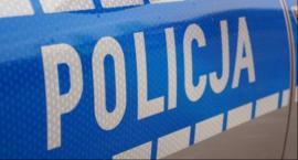 Zderzenie trzech aut przy komendzie policji