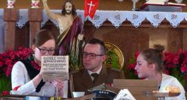 Patriotyczne spotkanie przy stole w kościele na Bratkowicach