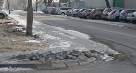 Nowy chodnik już zniszczony
