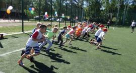 Sportowa rywalizacja przedszkolaków na Orliku