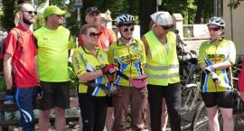Cykliści na trasie trzeciego etapu rajdu niepodległościowego