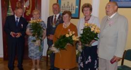 Trzy pary odznaczone Medalami za Długoletnie Pożycie