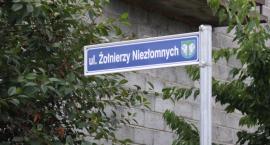 Sprawa spornej nazwy ulicy na łowickich Górkach trafi do sądu