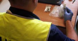Narkotykowe żniwa w Łowiczu. Policja zatrzymała 4 mężczyzn