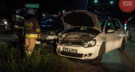 Zderzenie dwóch aut pod Łyszkowicami